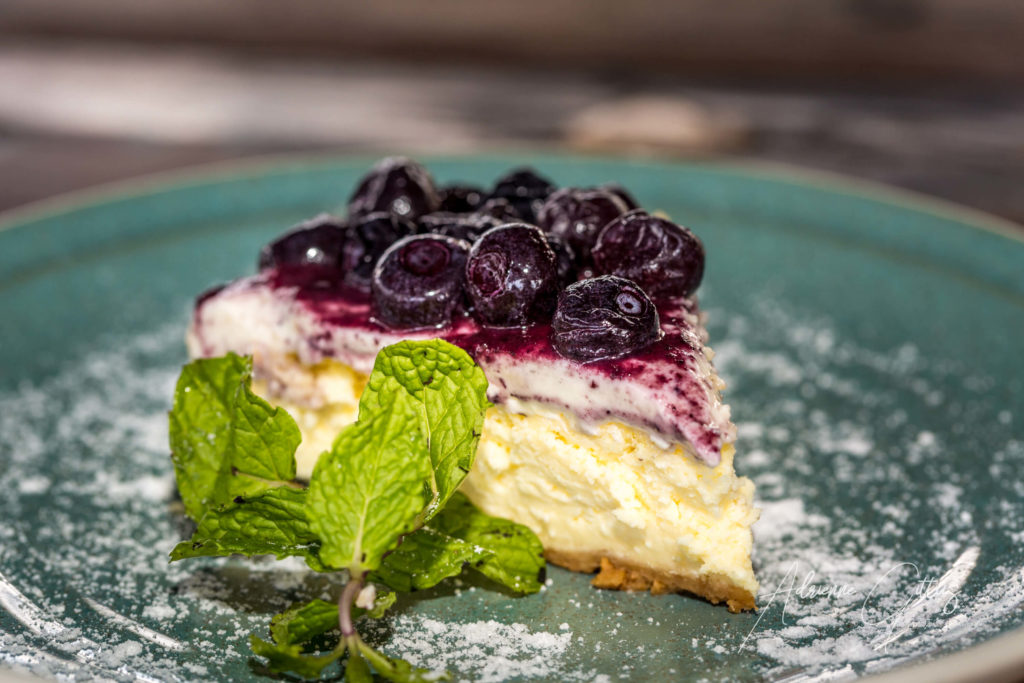 Blueberry Cheesecake Pesona Restaurant